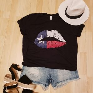 Tops - Texas Kiss shirt